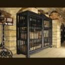 Coffre-fort métallique à vins précieux